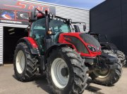Valtra N114H5 Tractor