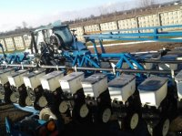 Kinze 3600 Șiruri de grape cu rezervor