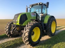 CLAAS Axion 820 C-MATIC Tractor