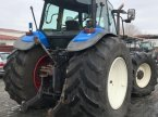 Traktor des Typs New Holland 8260 in Bistrita